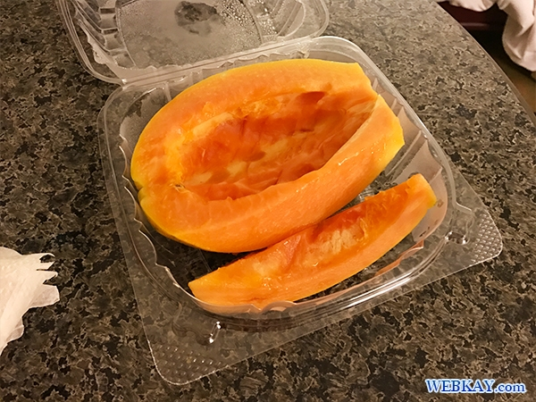 CUT PAPAYA ハワイ KCCファーマーズマーケット hawaii KCC saturday Farmer's Market 朝市