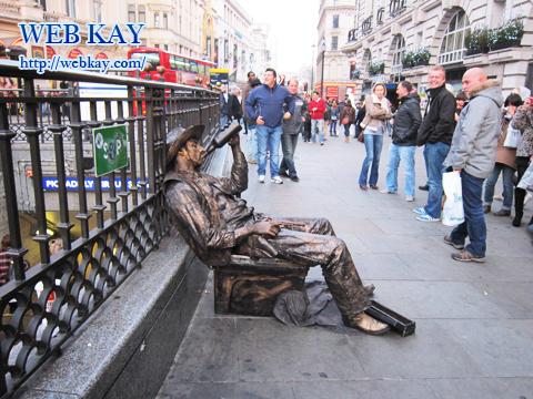 ピカデリーサーカス(Piccadilly Circus)の芸道