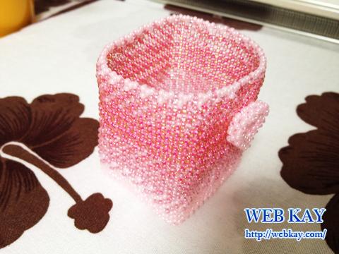 丸小ビーズの手作りピンクハート小物入れ箱