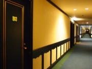 コルチナのホテル「グリーンプラザ白馬」廊下