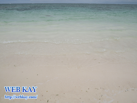 沖縄の久米島 ハテの浜 白砂