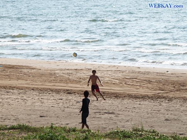 車で走れる砂浜 千里浜(ちりはま)なぎさドライブウェイ