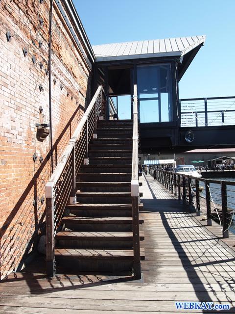 函館 金森赤レンガ倉庫 Kanemori Red Brick Warehouse 運河 Canal 階段