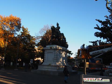 ヴィットリオ・エマヌエーレ2世の騎馬像 Verona ヴェローナ 散策 イタリア ぶらり旅 レビュー
