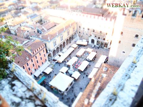 シニョーリ広場 piazza dei signori ヴェローナ verona イタリア旅行 景色 風景 観光スポット